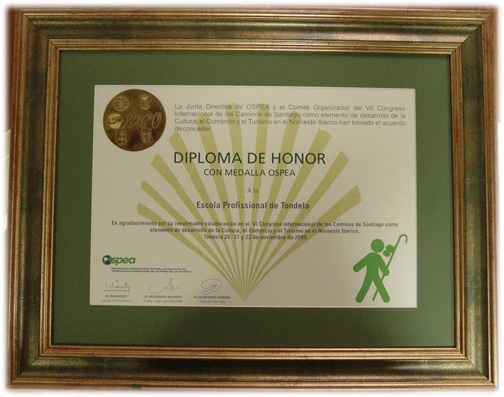 Diploma de Honor con Medalla OSPEA